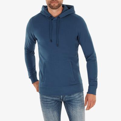 Harvard Hoodie, Dark jeans